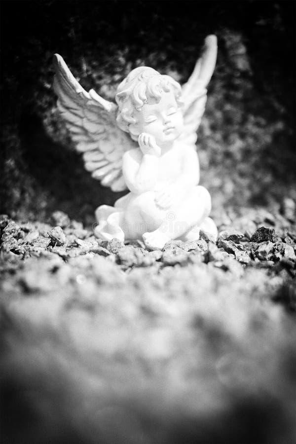 Sonhando a estátua do anjo foto de stock