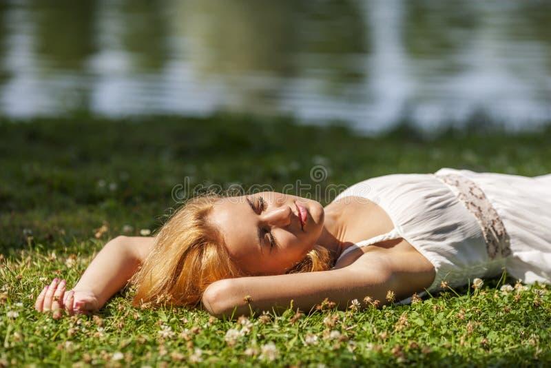 Sonhando o parque fora fotos de stock royalty free