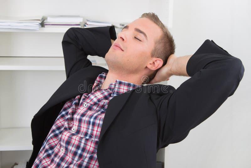 Sonhos do homem a si mesmo imagem de stock