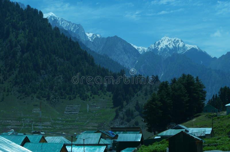 Sonmarglandschap in Kashmir stock afbeeldingen