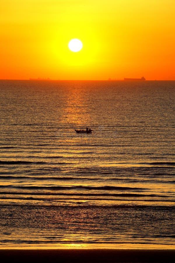 Sonnenaufgänge lizenzfreie stockfotos
