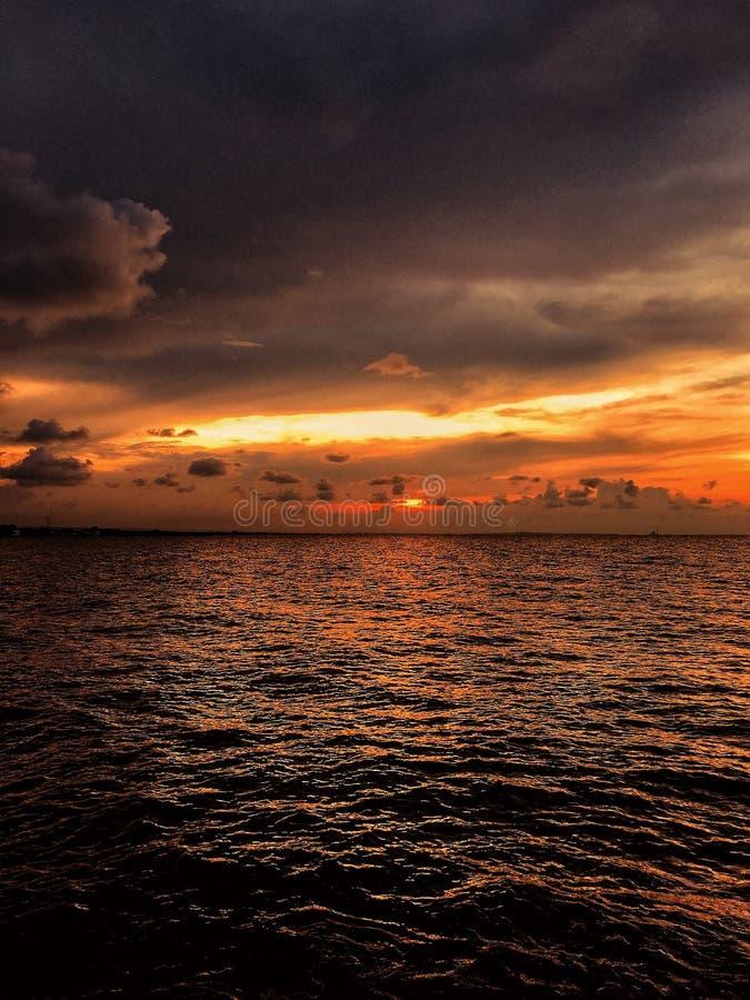 Sonnenaufg?nge in Indonesien lizenzfreies stockfoto