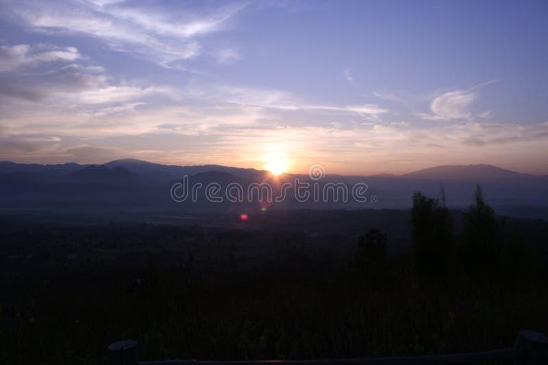 Sonnenaufgänge an YUN-lai Standpunkt lizenzfreie stockfotografie