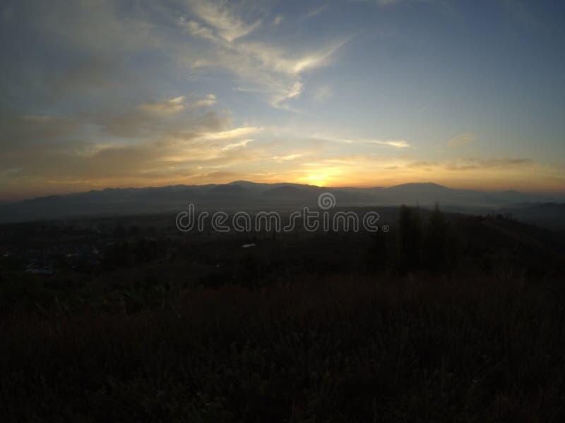 Sonnenaufgänge an YUN-lai Standpunkt lizenzfreies stockfoto