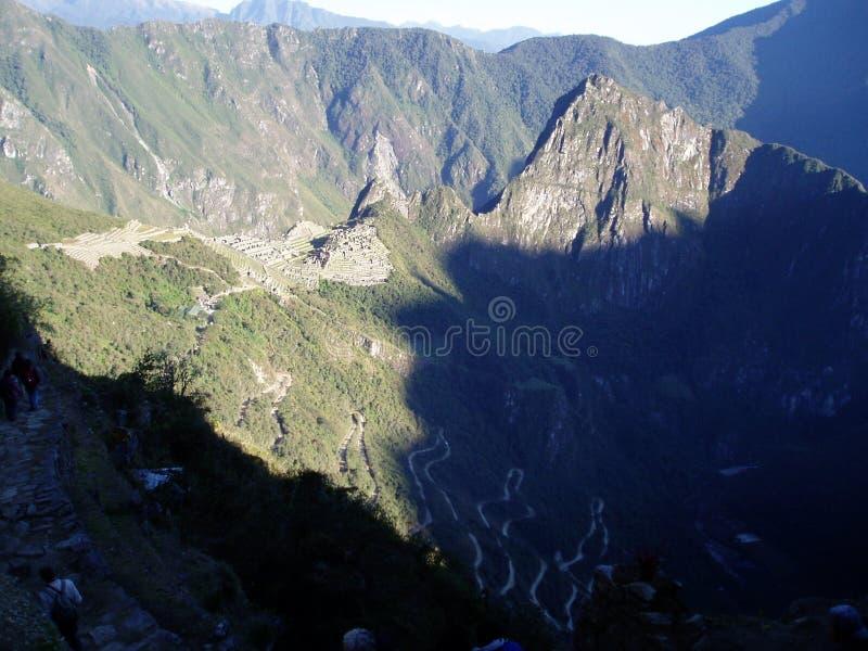 Sonnenaufgang über Machu Pichu stockbild