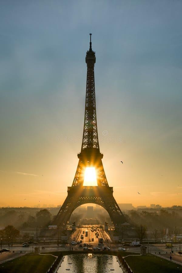 Sonnenaufgang über Paris stockfoto