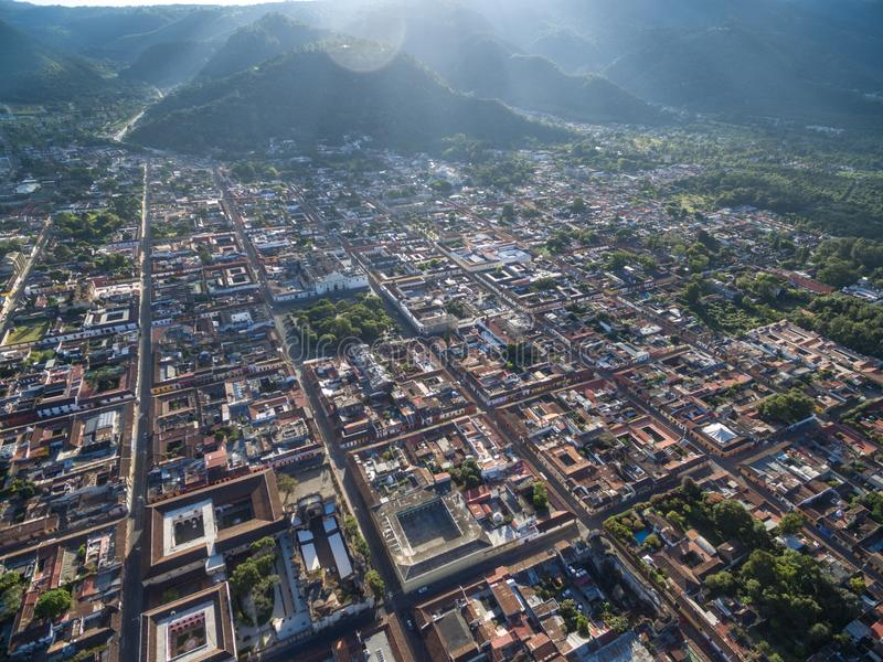 Sonnenaufgang in Antigua, Guatemala cityscape lizenzfreie stockbilder