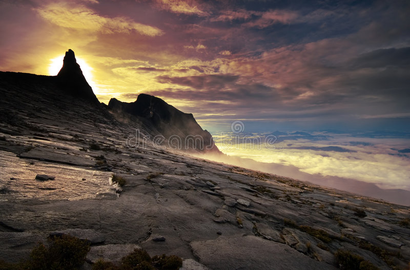 Sonnenaufgang Auf Dem Gipfel Lizenzfreies Stockfoto