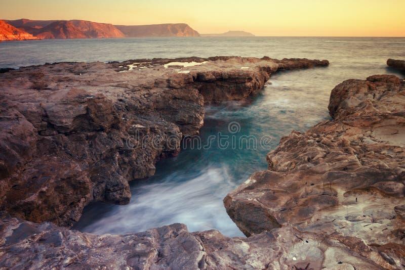 Sonnenaufgang auf dem Strand Playazo im Naturpark von Cabo De Gata, Spanien lizenzfreies stockbild