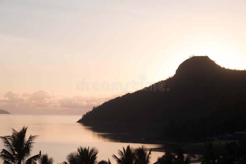 Sonnenaufgang auf Hamilton Island, Australien lizenzfreie stockbilder