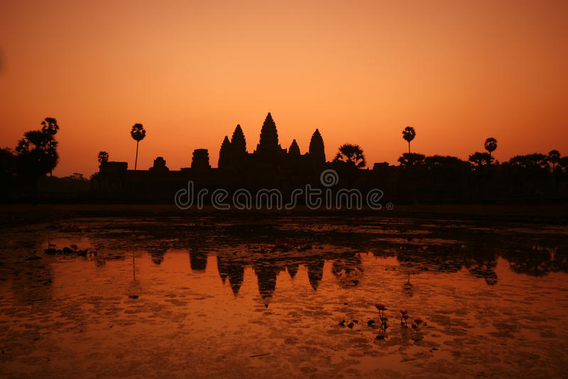 Sonnenaufgang bei Ankor Wat stockfotos