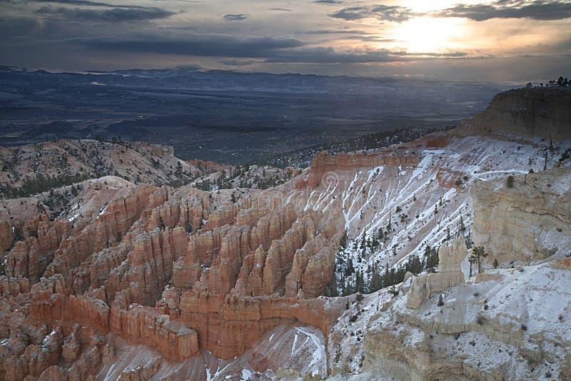 Sonnenaufgang bei Bryce lizenzfreies stockfoto