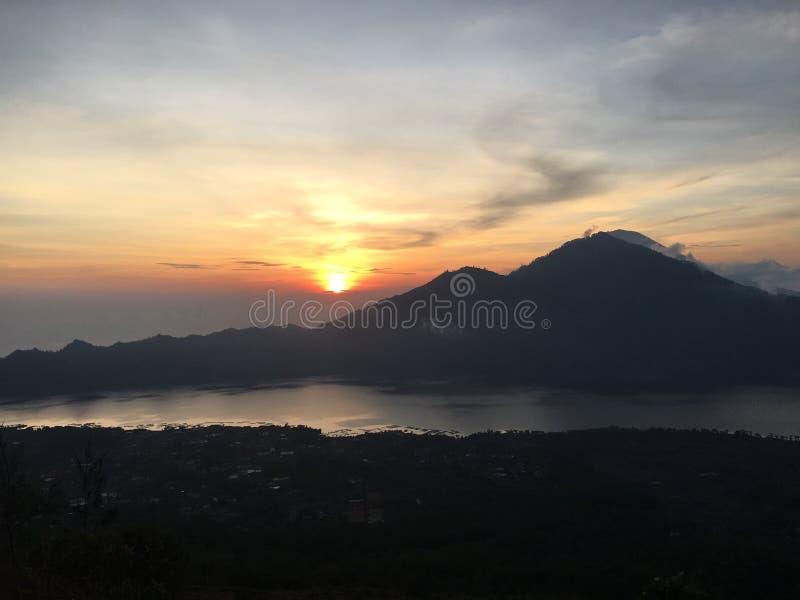 Sonnenaufgang bei Indonesien lizenzfreies stockfoto