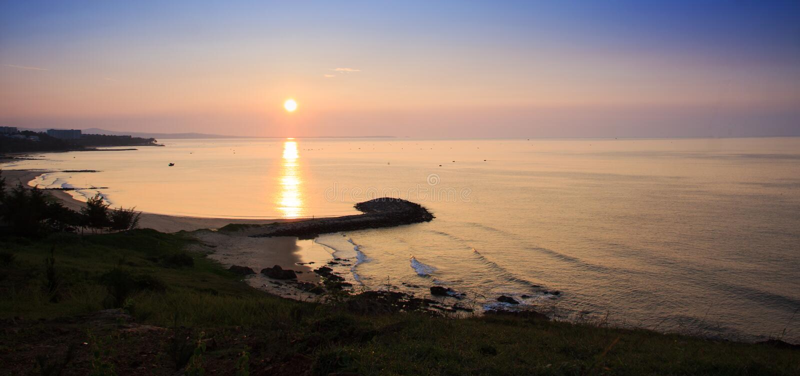 Sonnenaufgang bei Mui Ne Beach lizenzfreie stockfotografie