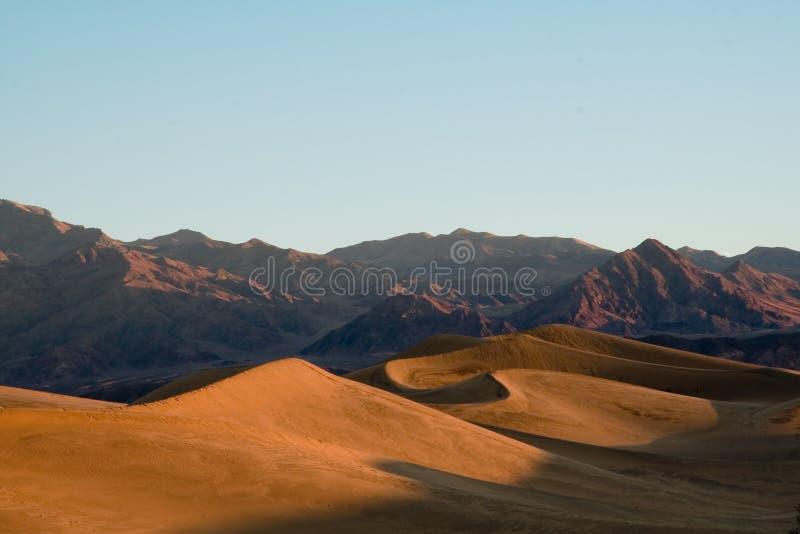 Sonnenaufgang in Death Valley lizenzfreies stockbild