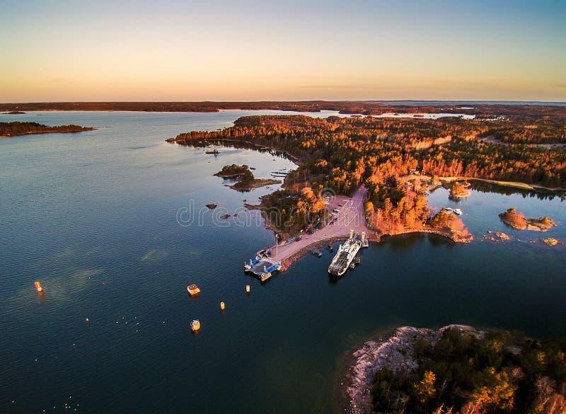 Sonnenaufgang in den Ã-… Land Inseln lizenzfreies stockfoto