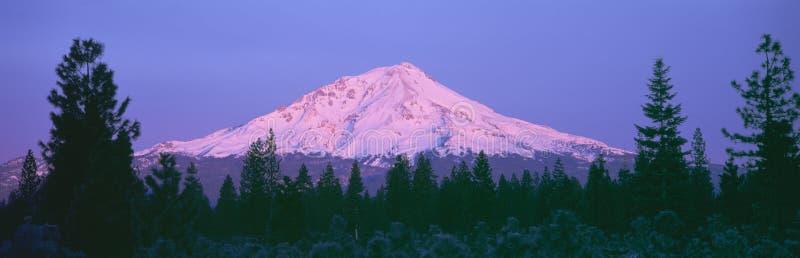 Sonnenaufgang an der Montierung Shasta, stockfotografie