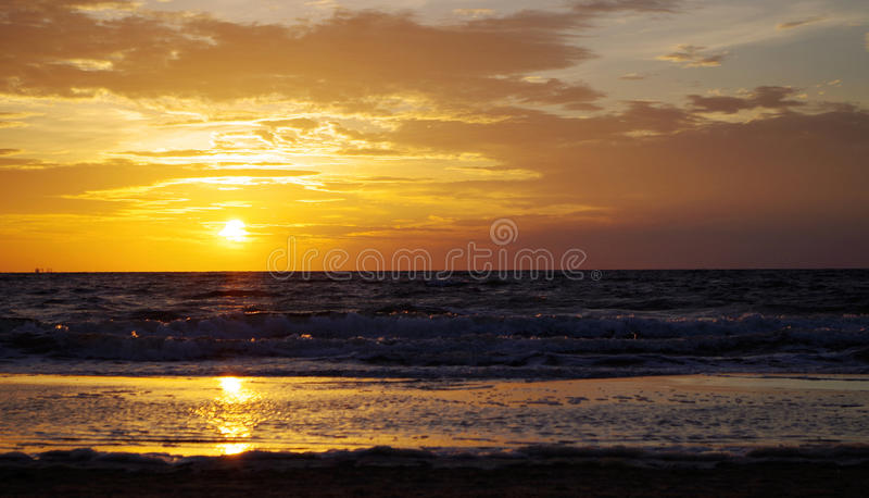 Sonnenaufgang in der Ostsee in Deutschland-heringsdorf stockfotografie