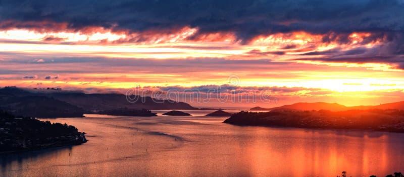 Sonnenaufgang, Dunedin, Neuseeland stockbilder