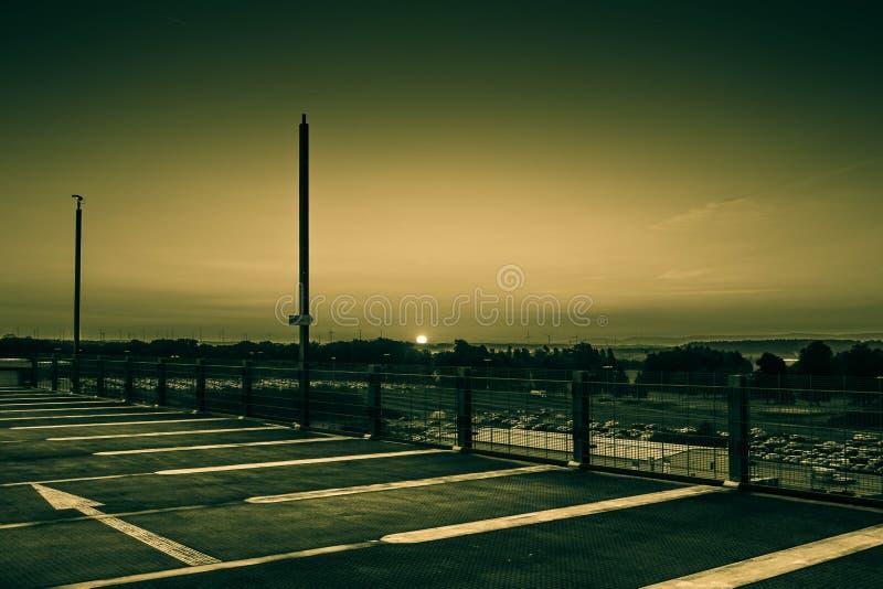 Sonnenaufgang in Frankfurt Hahn Airport stockfoto