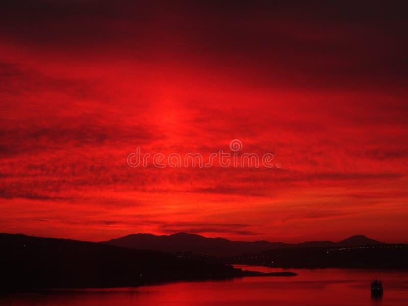 Sonnenaufgang ist gleichzeitig hypnotisieren und anspornen stockfoto