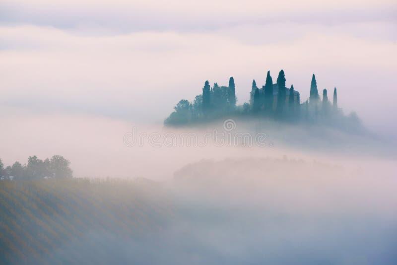Sonnenaufgang in Italien stockfotos