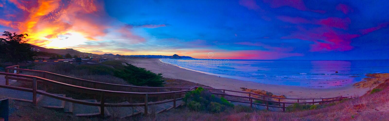 Sonnenaufgang Kaliforniens klare pismo Strand Avila-morro Küstenbucht stockbilder