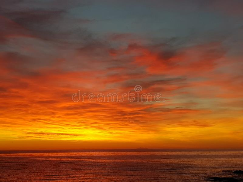 Sonnenaufgang in Korsika lizenzfreie stockfotos