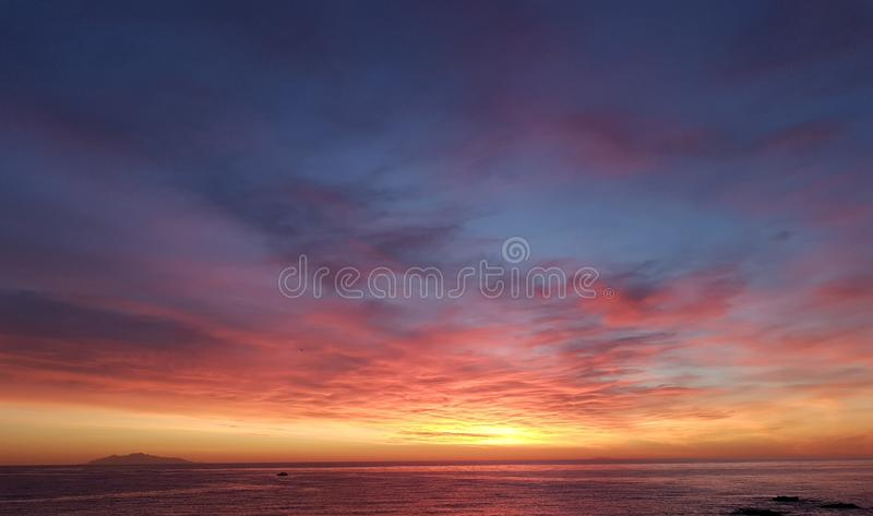 Sonnenaufgang in Korsika lizenzfreies stockfoto
