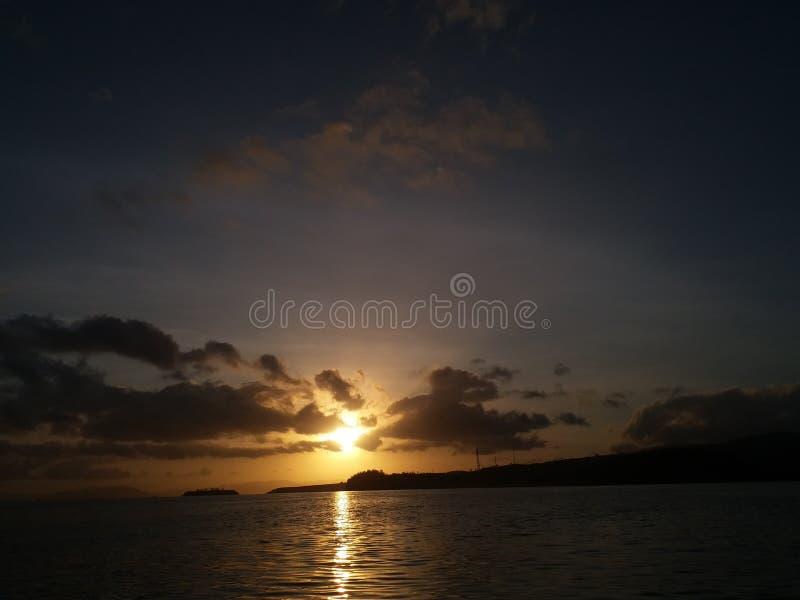 Sonnenaufgang lanscape schöner Seemorgen Indonesien lizenzfreie stockbilder