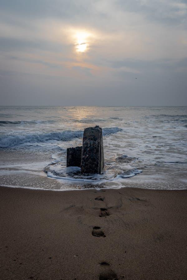 Sonnenaufgang mit Abdruck des Naturliebhabers lizenzfreie stockfotografie
