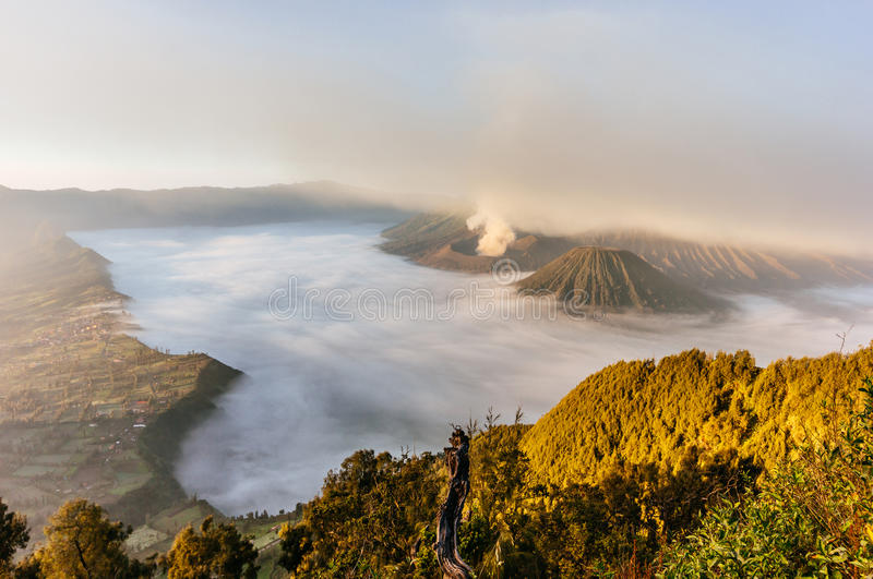 Sonnenaufgang am Mt Bromo, Indonesien stockfotos