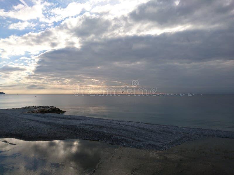 Sonnenaufgang in Nizza lizenzfreies stockbild