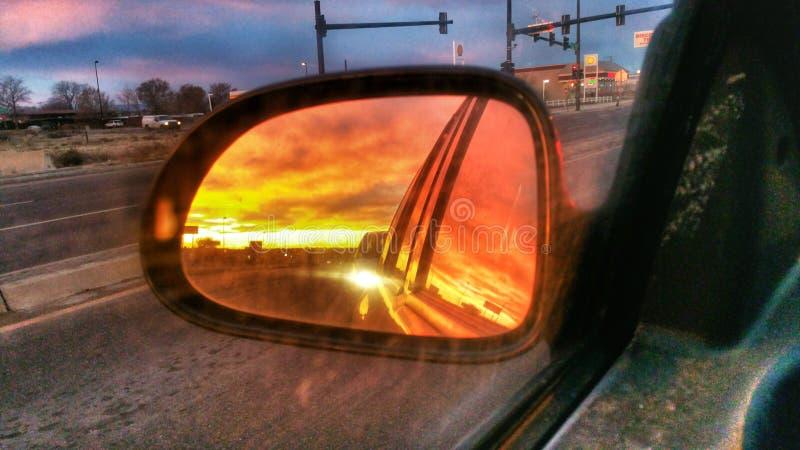 Sonnenaufgang reflektiert stockfotos