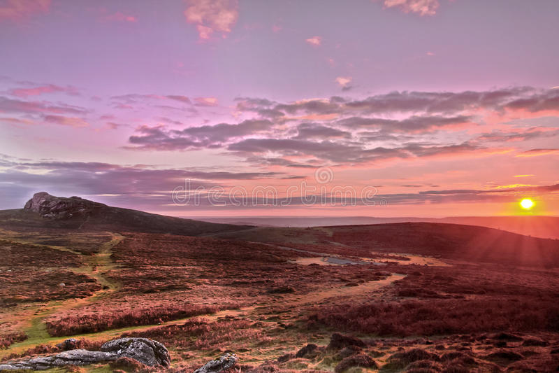 Sonnenaufgang-Sattel-Felsen zu Haytor-Felsen stockfotos