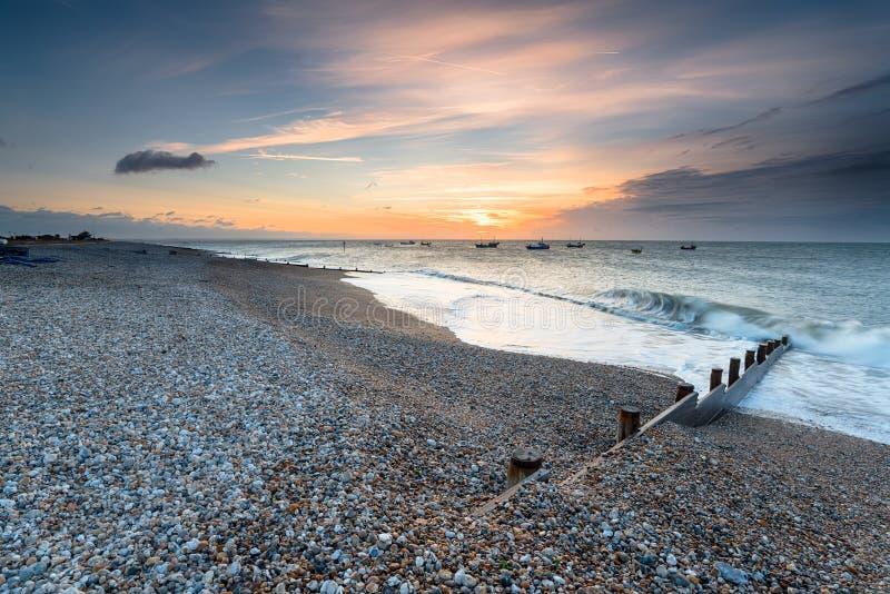 Sonnenaufgang an Selsey-Strand lizenzfreies stockbild