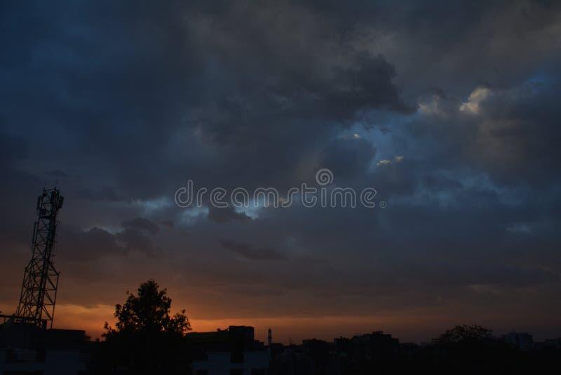 Sonnenaufgang-Stadt-Ansicht lizenzfreies stockfoto