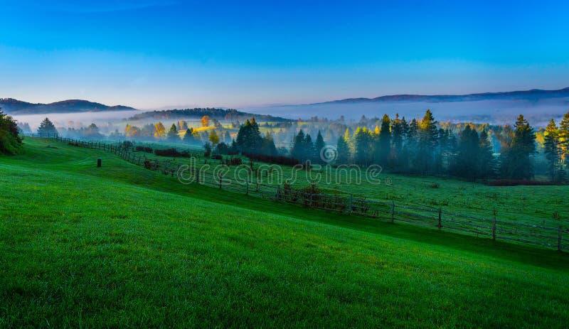 Sonnenaufgang in Vermont lizenzfreie stockbilder