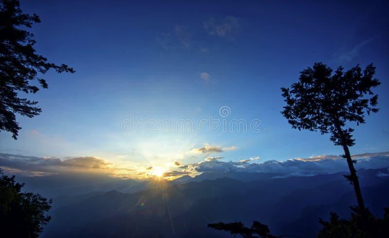 Sonnenaufgang von Ali Mountain (Ali Shan, Taiwan) lizenzfreies stockbild