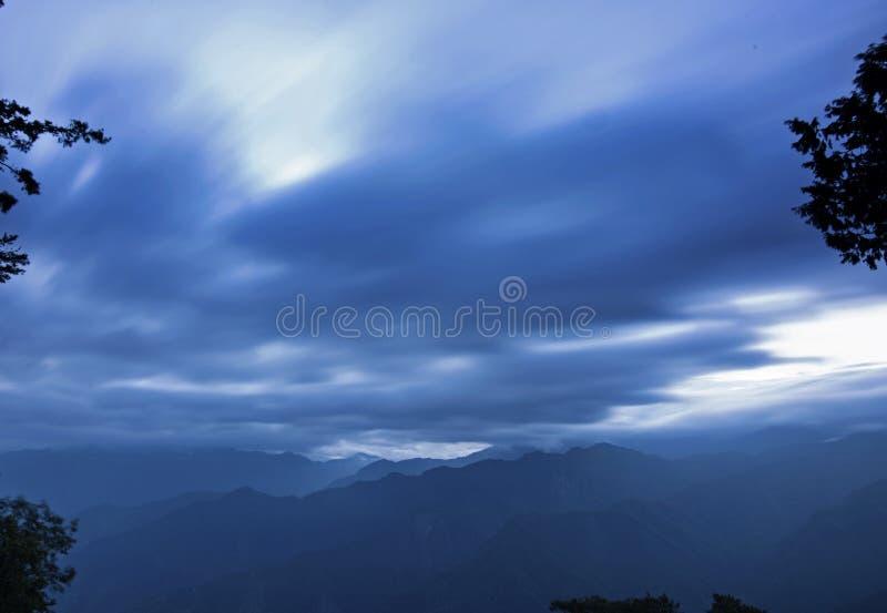 Sonnenaufgang von Ali Mountain (Ali Shan, Taiwan) stockfotografie