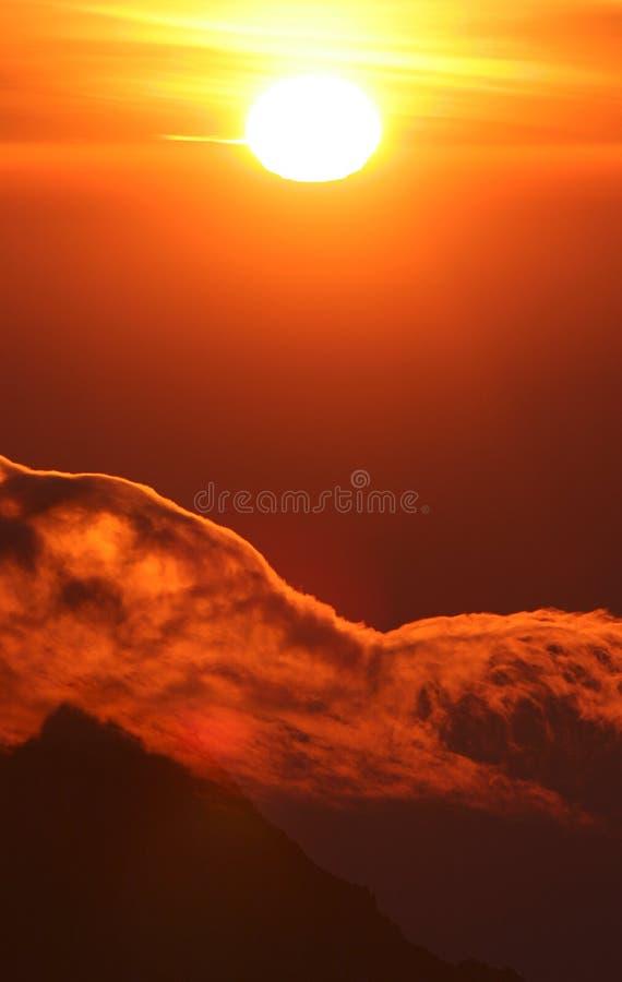 Sonnenaufgang von der Oberseite von Kilimanjaro stockbilder