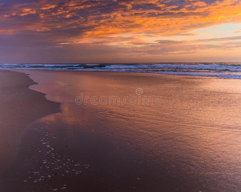 Sonnenaufgang-Wolken lizenzfreie stockbilder