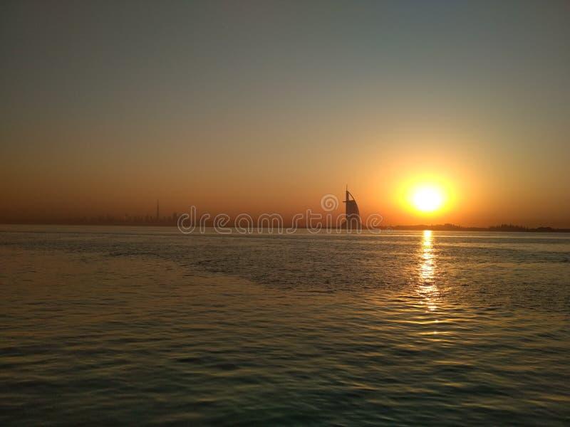 Sonnenaufgangdubai-burj Alaraber stockbild