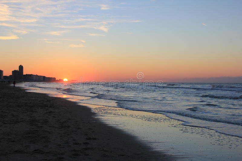 Sonnenaufgangmeer stockbild