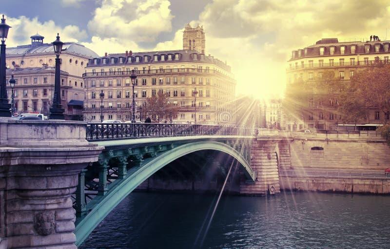 Sonnenaufgangparis-Fluss stockbilder