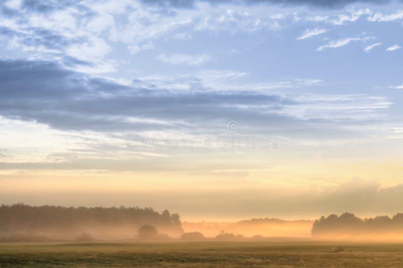 Sonnenaufgangszene lizenzfreies stockfoto