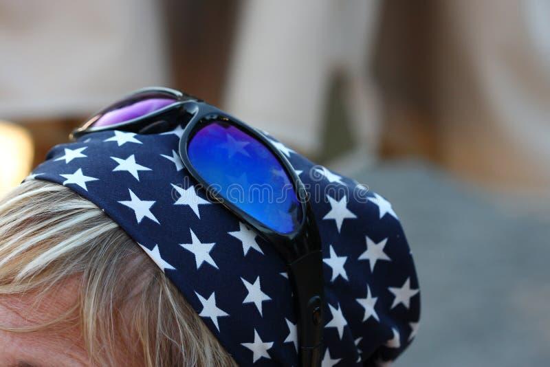 Sonnenbrillen und Bandana stockfotos