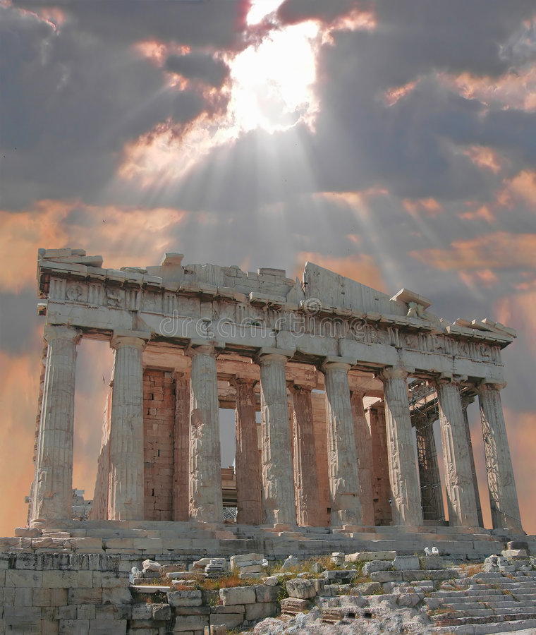 Sonnendurchbruch über der Akropolise lizenzfreie stockfotografie