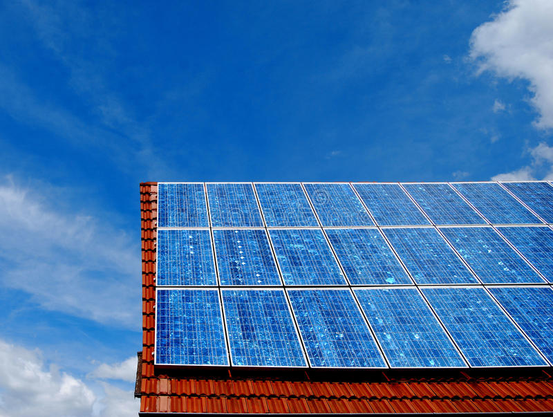 Sonnenenergiepanel lizenzfreies stockbild