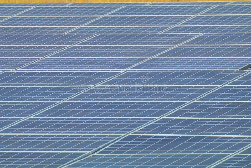 Sonnenkollektor, photo-voltaische Module für Innovation grünen Energie FO stockfotos